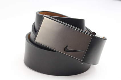New Mens Nike Golf Tour Sleek Modern Plaque Leather Belts 32 Black MSRP $50 1118701